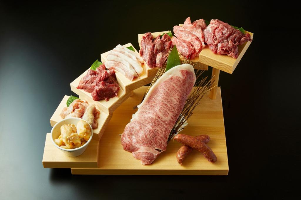 肉汁あふれる松阪牛と出来立てホクホク生産者直送のお米が堪能できる店「松阪焼肉レストランすだく松阪本店」
