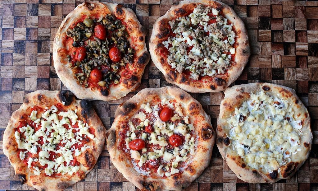 【5種の贅沢セット】 「Pizza Tamaki」「Pizza マルゲリータ」「Pizza オリーブ」「Pizza ハーブソーセージ」「Pizza 5種のチーズ」