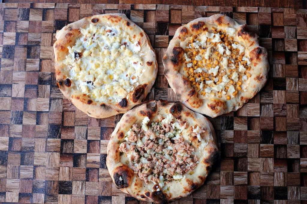 3種のチーズベースセット 「Pizza からしマヨ焦がし醤油コーン」「Pizza ハーブチキン」「Pizza 5種のチーズ」