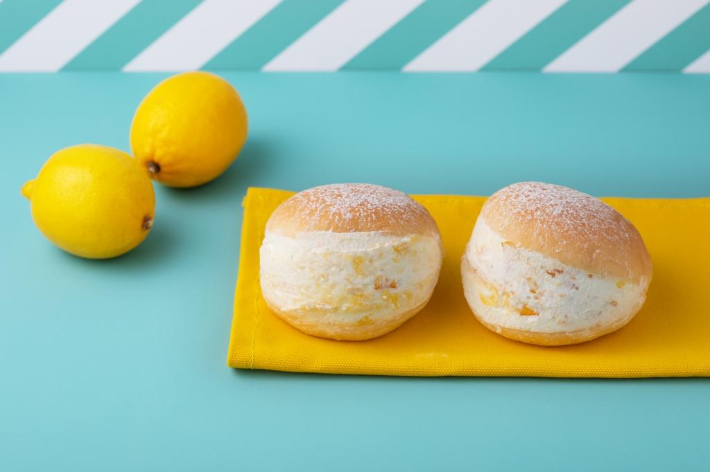 【レモンマリトッツォ】生クリーム専門店ミルクより新発売!レモンのツブツブ感とほんのり黄色のクリームが夏らしい新商品